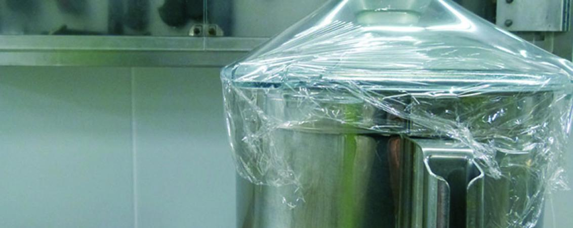 Les machines et ustensiles sont protégés de la poussière entre chaque utilisation.