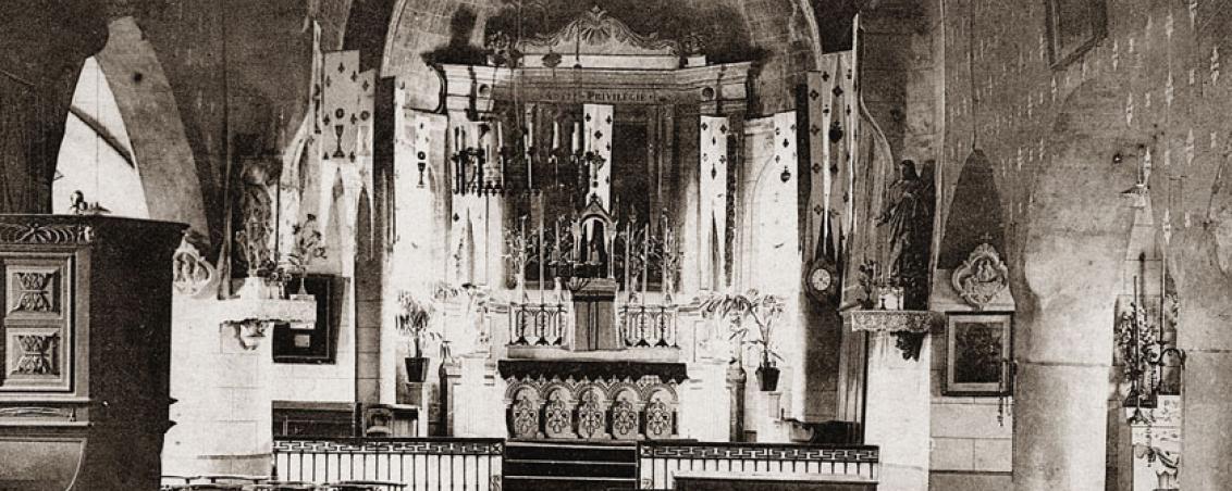 L'intérieur de l'église au début du XXème siècle.
