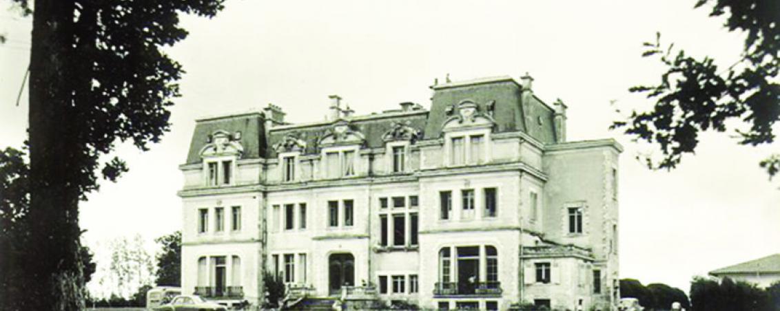 Vue du château. Années 1950, Prêt de Madame Cid