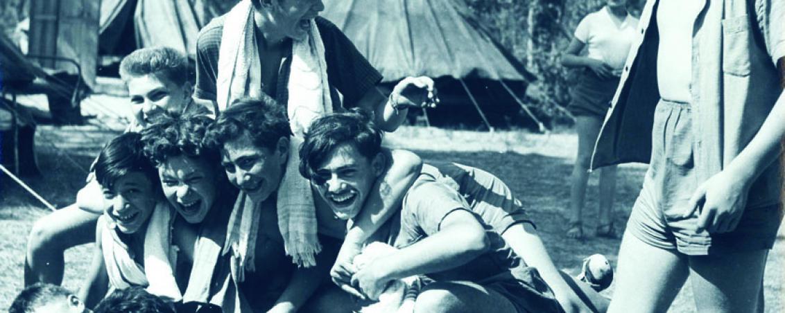 La colonie permettait aux enfants de tisser des liens d'amitié forts. Ici les garçons. 1952