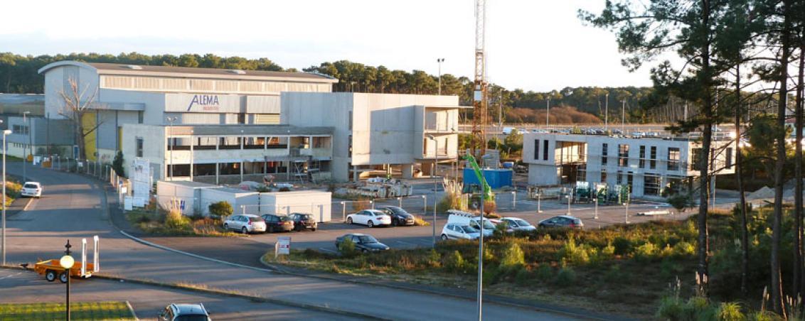 Le pôle de coopération en construction pris depuis l'espace Bertin. 18 janv. 2014. Crédit photo Ville de Tarnos