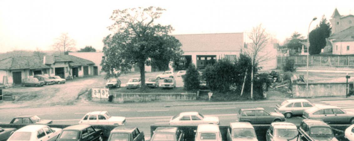 L'esplanade Jacques Duclos au début des années 1980, Ville de Tarnos