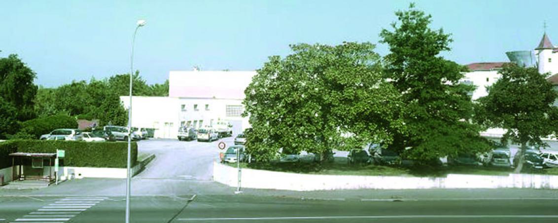 L'esplanade Jacques Duclos en 2010, Ville de Tarnos