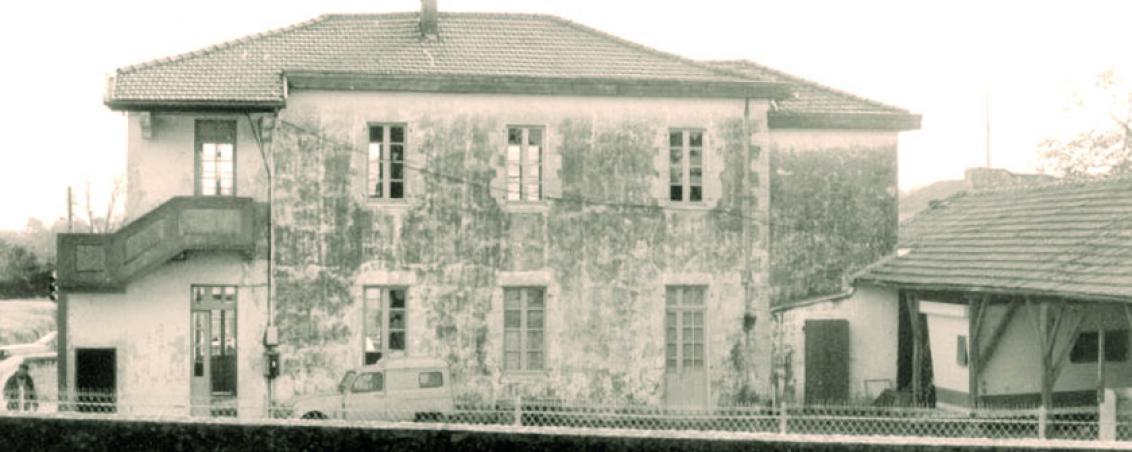 L'arrière de l'école Jean Mouchet avant sa démolition au début des années 1980, Ville de Tarnos