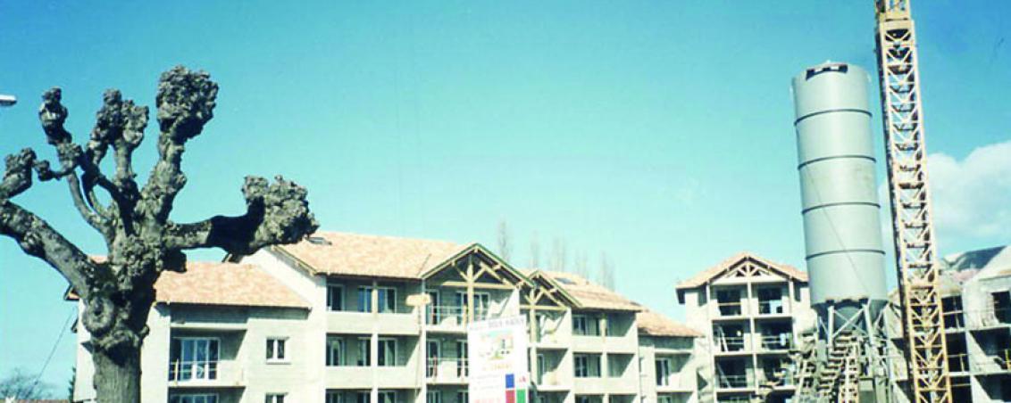 Les travaux de réalisation de la place Dous Haous, 1992-1996, Ville de Tarnos