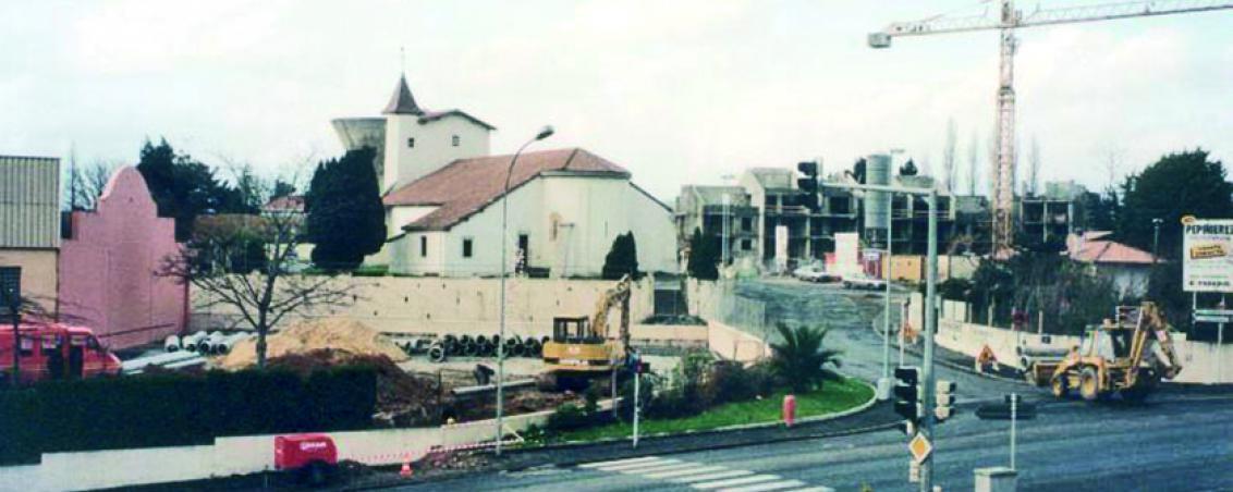 Les travaux de réalisation de la place Dous Haous depuis l'Hôtel de Ville, 1992-1996, Ville de Tarnos
