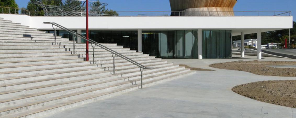 Une vue panoramique de la médiathèque en 2010, Ville de Tarnos
