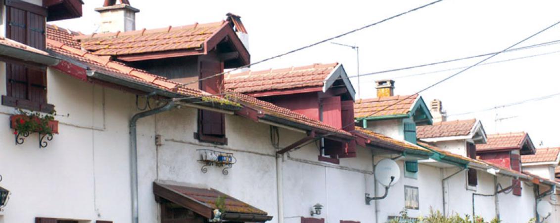 Les « Casernes » de la Cité. 2008, Ville de Tarnos