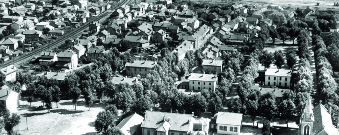 Vue aérienne de la cité des Forges. Non daté, Ville de Tarnos