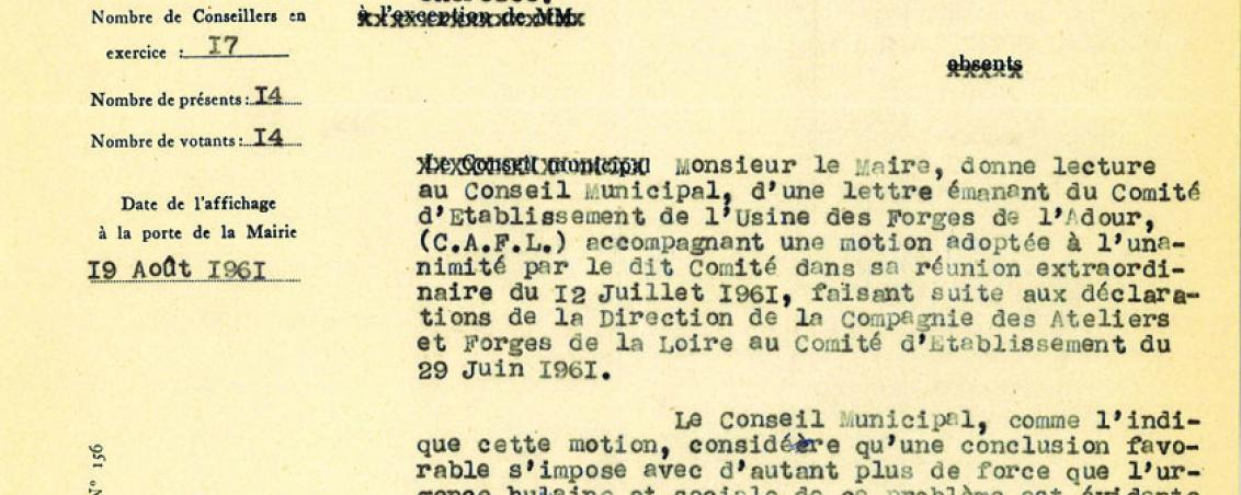 Extrait de délibération municipale de la commune de Saint-Martin-de-Seignanx se positionnant sur la décision de fermeture des Forges de l'Adour. 1961, Ville de Tarnos
