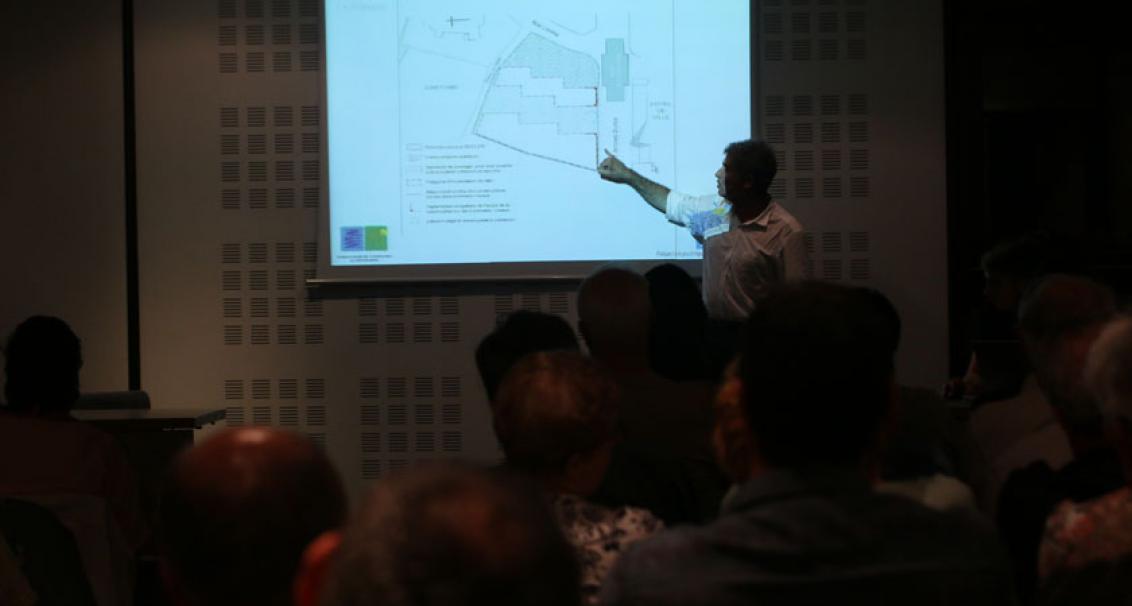 Les grandes orientations du projet ont été présentée le 17 octobre 2014 lors d'une réunion publique.